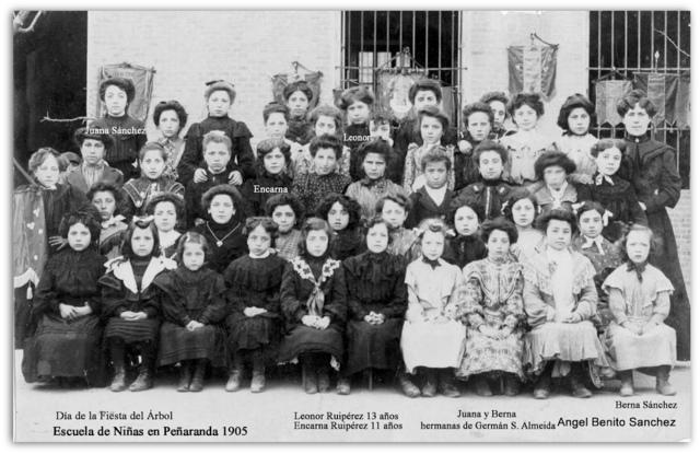 1-Escuela de Peñaranda Año 1905 Fiesta del arbol